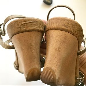 Reaction Kenneth Cole Shoes - Reaction Bronze Leather Wood Heel Sandals Size 8